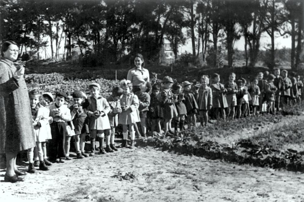 התרגשות במחלקות הילדים: נוטעים עצים של תקווה